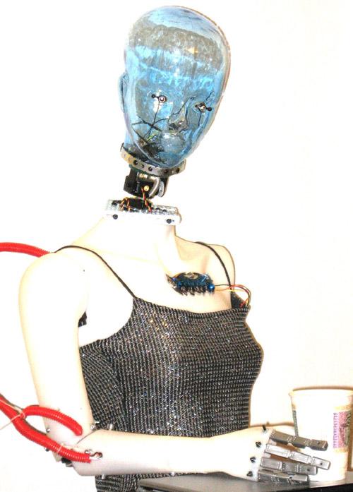 Robot Betty9 Fembot
